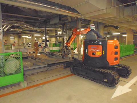 地下機械式駐車撤去工事